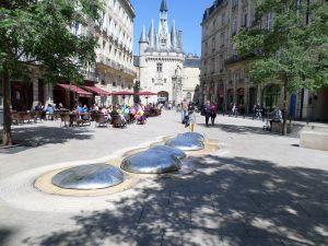 Porte Cailhau - Place du palais